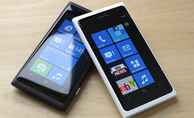Best Smartphones Under 15000 - Nokia Lumia 625